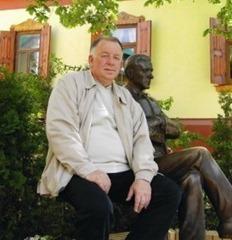 avatar for Василий Алоев