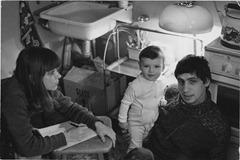 С мужем, театральным режиссером Валерием Рыбаковым и дочерью Катей. Хабаровск, 1982 г.