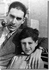 Абрам Вишняк (слева)